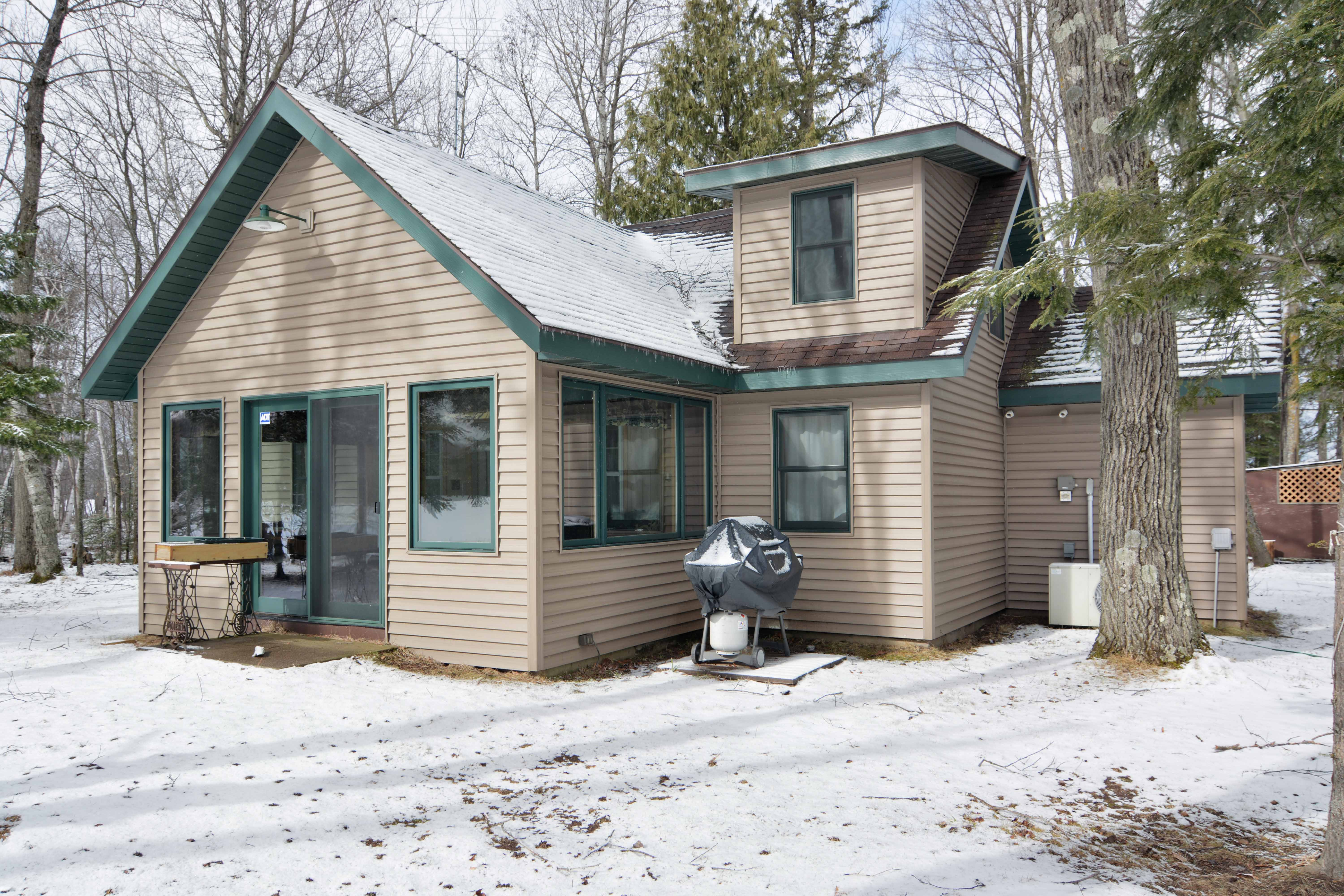 Cabin for sale virtual tour lake namakagon cable for Cabins on lake michigan in wisconsin