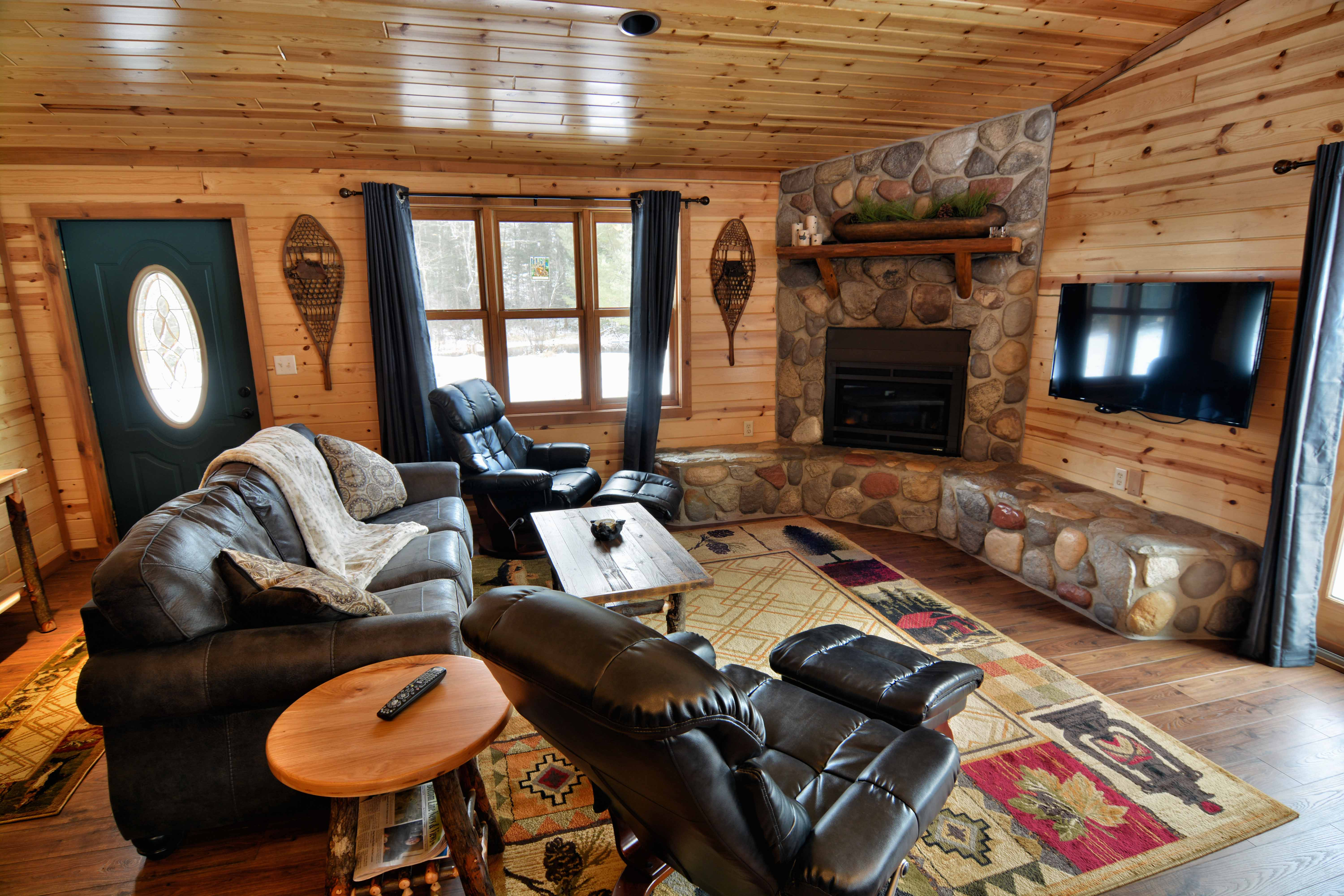 cabins big for on sale cabin bear deals lodging rent california lake wi lakefront wv by wisconsin owner rentals